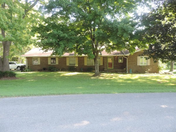 302 Dawn Dr., Greenville